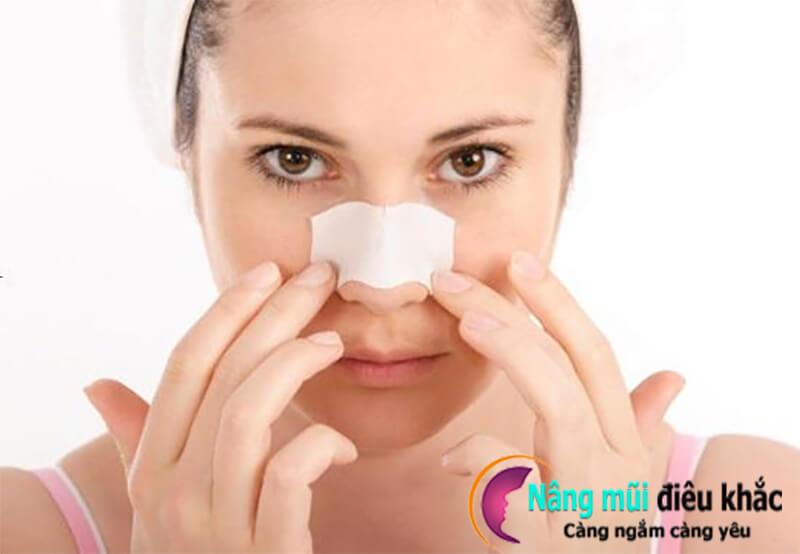 Định hình dáng mũi sau phẫu thuật nâng mũi